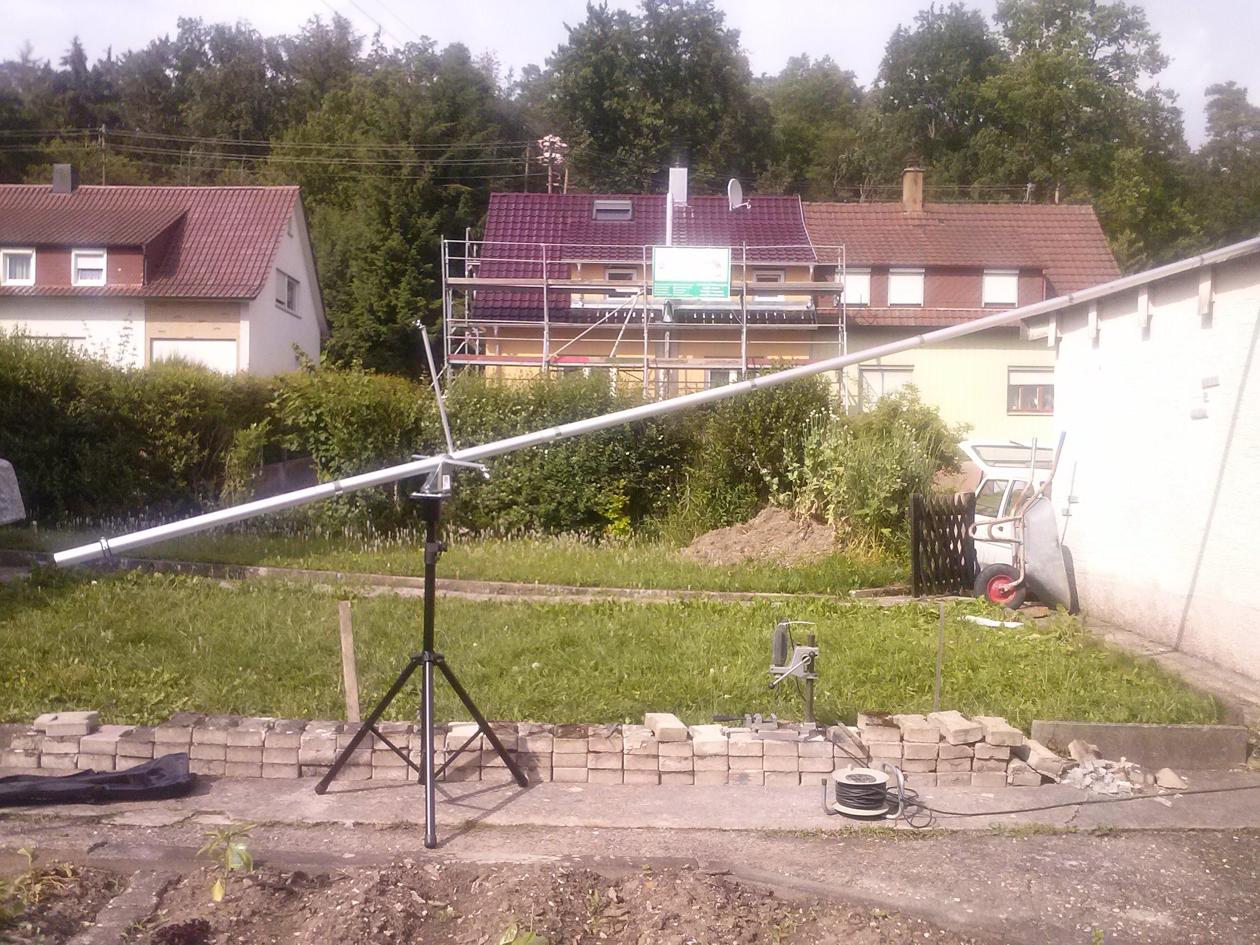 Kamerakran im Aufbau von der Seite